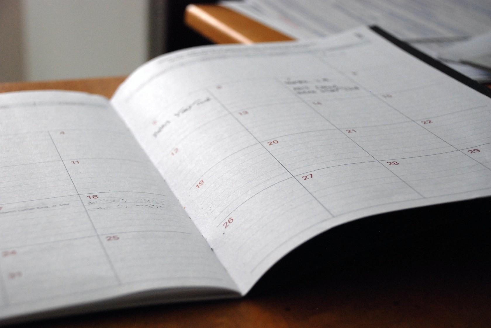 Zapisy na kursy i konsultacje - Informacje kontaktowe